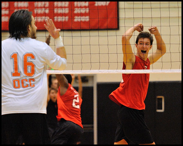 59832-20120421-PS22-LBCCVOLLEY04-JG.jpg